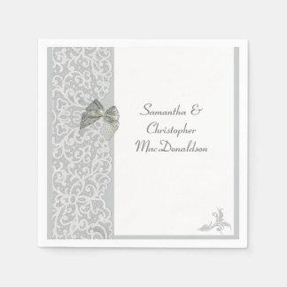 Traditionelle Hochzeit der grauen und weißen Papierservietten