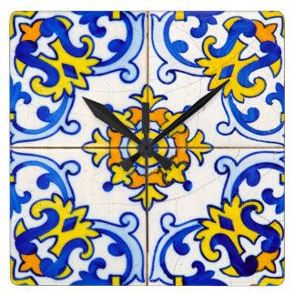 Traditionelle Portugiese Azulejo Fliese Quadratische Wanduhr