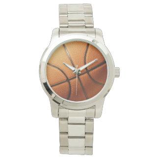 Traditioneller großer runder orange Basketball, Armbanduhr