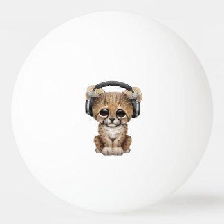 Tragende Kopfhörer niedlicher Babycheetah-DJ Ping-Pong Ball