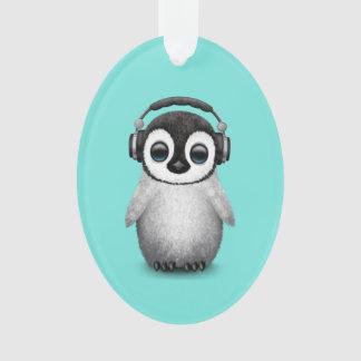 Tragende Kopfhörer niedlicher Babypenguin-DJ Ornament