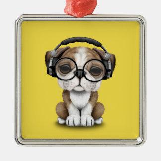 Tragende Kopfhörer niedlicher Bulldoggen-Welpen-DJ Silbernes Ornament