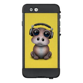 Tragende Kopfhörer niedliches Baby-Flusspferd-DJ LifeProof NÜÜD iPhone 6 Hülle