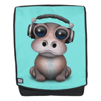 Tragende Kopfhörer niedliches Baby-Flusspferd-DJ Rucksack