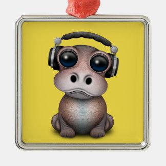 Tragende Kopfhörer niedliches Baby-Flusspferd-DJ Silbernes Ornament
