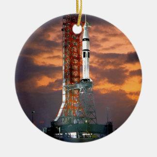 Trägerrakete-SonnenaufgangLaunchpad der NASAs Keramik Ornament