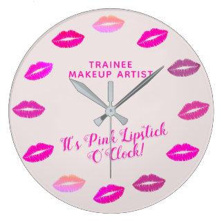 Trainee Makeup Artist Pink Lipstick Wall Clock Große Wanduhr