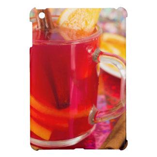 Transparente Tasse mit Zitrusfrucht verrührte iPad Mini Hülle