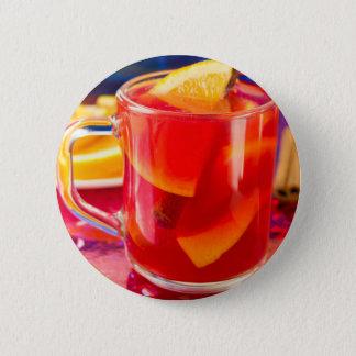 Transparente Tasse mit Zitrusfrucht verrührtem Runder Button 5,1 Cm