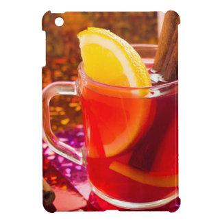 Transparente Tasse Tee mit Zitrusfrucht und Zimt iPad Mini Hülle