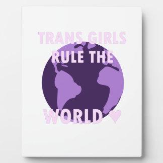 Transport-Mädchen ordnen die Welt an (v1) Fotoplatte