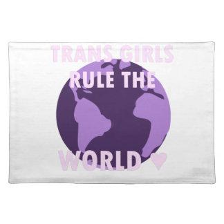 Transport-Mädchen ordnen die Welt an (v1) Stofftischset