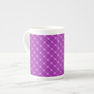 Traube lila kreuzweises Muster Porzellan-Tasse