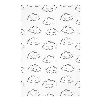 Träumen der Wolken im Rosa Briefpapier