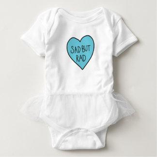 """""""Traurige aber krasse"""" sarkastische Shirts, Baby Strampler"""
