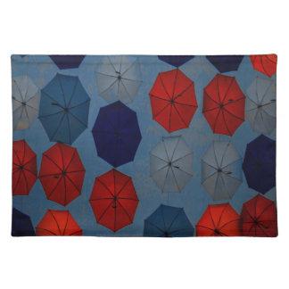 Trendy Regenschirme des blauen Rotes des Tischsets