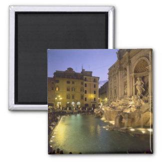 Trevi-Brunnen nachts, Rom, Lazio, Italien Magnete