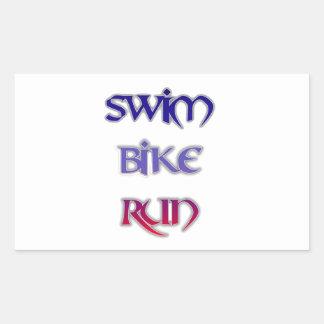 Triathlon-Schwimmen-Fahrrad-Lauf Rechteckiger Aufkleber