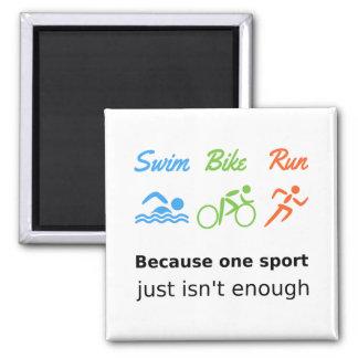 Triathlon-Schwimmenfahrradlaufzitatsport Quadratischer Magnet