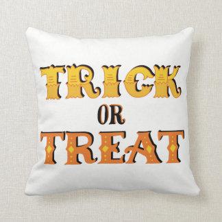 Trick oder Leckerei Halloween Kissen