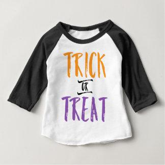 Trick-oder Leckerei-Halloween-T-Stück Baby T-shirt