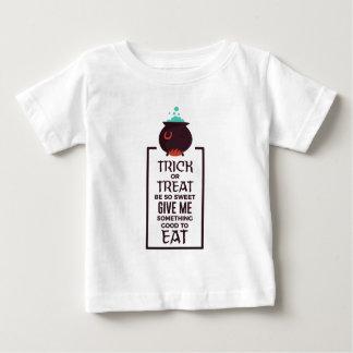 Trick-oder Leckerei-süßer Baby T-shirt