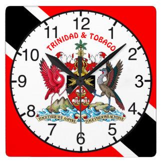 Trinidad und Tobago-Flagge und Wappen Quadratische Wanduhr