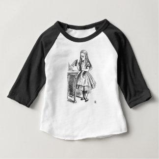 Trinken Sie mich Baby T-shirt