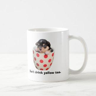 Trinken Sie nicht gelben Tee Kaffeetasse