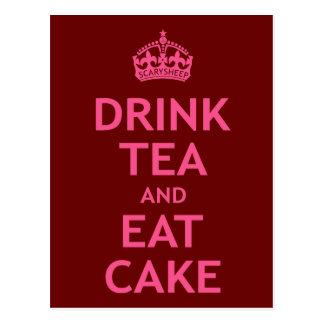 Trinken Sie Tee und essen Sie Kuchen Postkarte