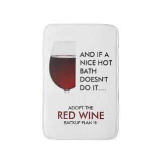 Trinkende Rotweinphotographie des Witzes Badematte