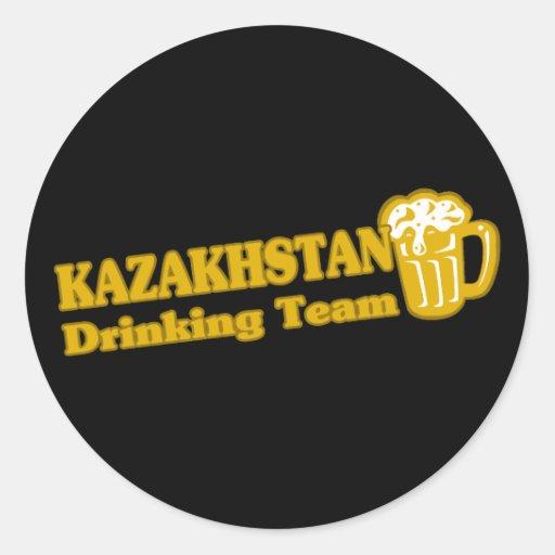 Trinkendes Team Kasachstans Runde Sticker