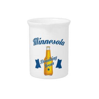 Trinkendes Team Minnesotas Krug