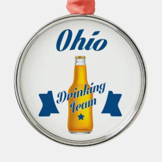 Trinkendes Team Ohios Silbernes Ornament