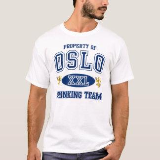 Trinkendes Team Oslos Norwegen T-Shirt