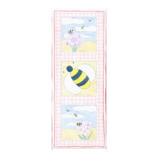 Trio der Bienen mit Blumen Leinwanddruck