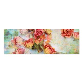 Trockene Rosen auf grünem Vintagem Visitenkarte