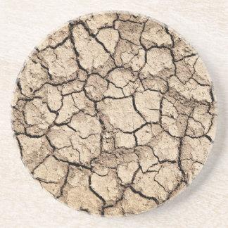 Trockener gebrochener Boden während der Dürre Getränkeuntersetzer