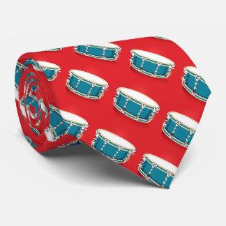 Trommeln - rote Krawatte