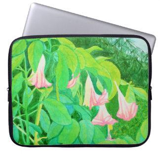 Trompete-Blumen und Zypressenbäume Watercolor Laptop Sleeve