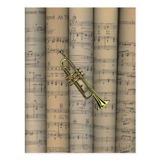 Trompete-~ gerolltes Notenen-Hintergrund ~ Musical Postkarte