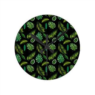 Tropen verlassen Muster handgemachtes BlumenTiki Runde Wanduhr