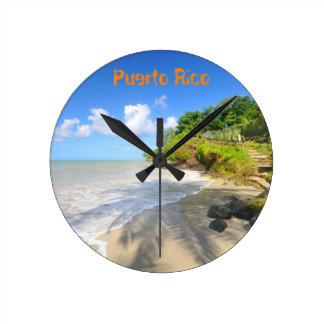 Tropische Insel in Puerto Rico Runde Wanduhr