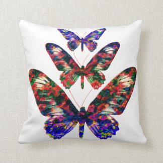 Tropische Schmetterlinge entwerfen dekoratives Zierkissen