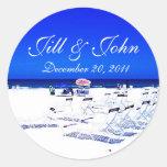 Tropische Strand-Namen und Datums-Hochzeits-Aufkle Runder Sticker