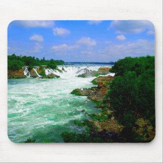 Tropischer Fluss-Wasserfall Mousepad