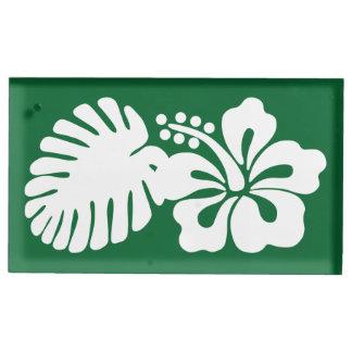 Tropischer Hibiskus im grüne Tabellen-Karten-Stand