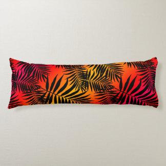 Tropischer Palme-Blatt-Schatten auf Seitenschläferkissen