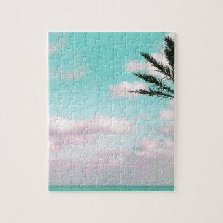 Tropischer Strand, Meerblick, rosa Wolken, Palme Puzzle