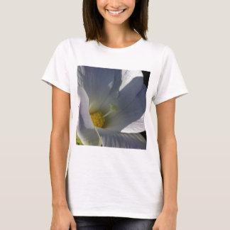 Tropisches weißes Blumen-Makro T-Shirt